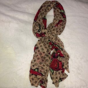 LOUIS VUITTON: rose scarf